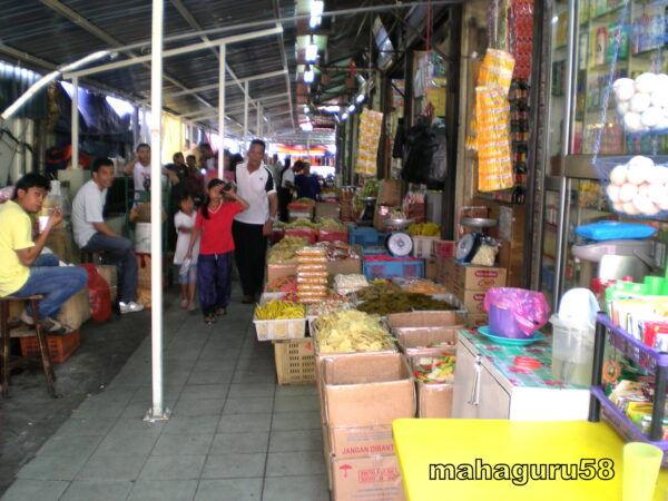 Alleyway-to-Chow-Kit-Old-Wet-Market