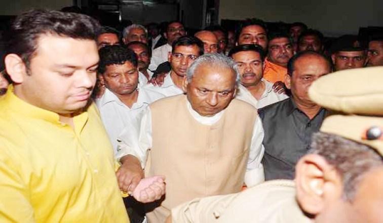 Image result for मुख्यमंत्री  कल्याण सिंह इस्तीफा