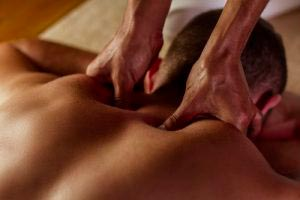 Terapia relajante Abhyanga
