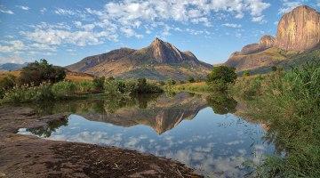 Le massif de l'Andringitra et le Tsaranoro