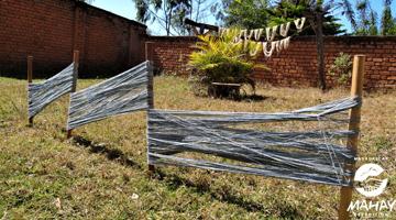 Teinture de la soie sauvage de Madagascar