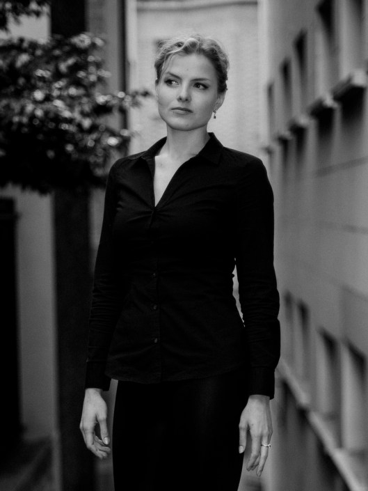 Kateryna photo black and white