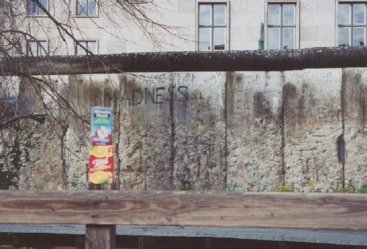 ger-berlin-wall-01