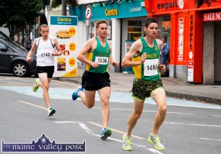 Eventual winner, Tim O'Connor, An Ríocht leading club-mate, Joe O'Connor and Conor Kissane, Farranfore Maine Valley in the early stages of Friday evening's An Ríocht Couch-to-5K Road Race in Castleisland. ©Photograph: John Reidy.