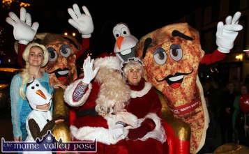 Happy Days Apache Pizza, Santa and Mrs Claus and Elsa on the Frozen set from Crag Cave at the launch of the Christmas season in Castleisland on Friday evening. ©Photograph: john Reidy