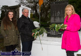 Tadhg Dennehy, representing the Bonn/Doherty Sinn Féin Cumann, Castleisland, pictured with Bláithín and Kate Shanahan who represented the Shanahan family as they were about to place wreaths to the memory of Jack Flynn, Jack Prendiville and Richard Shanahan who died there fighting in the War of Independence on July 10-1921. ©Photograph: John Reidy 1-5-2015
