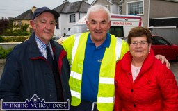 Organising committee chairman, Charlie Farrelly pictured with Leo and Eileen Murphy, Boherbue at the start of the annual Humphrey Murphy Memorial Road Race on Limerick Road, Castleisland on Friday evening. Leo and Eileen are the parents of the late Humphrey. ©Photograph: John Reidy