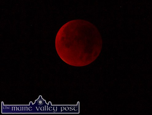 The Blood Red Moon at 3.55am. ©Photograph: John Reidy