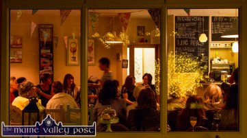 A warm atmosphere created for the Castleisland Fashion Capital of Kerry show at Nana Bea's Restaurant and Coffee Shop on Thursday night. ©Photograph: John Reidy