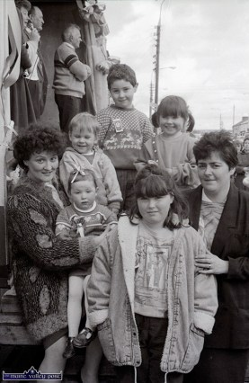 Mitchells, Downeys and Keanes at the first St. Patrick's Day Parade in Castleisland. ©Photograph: John Reidy 17-3-1989