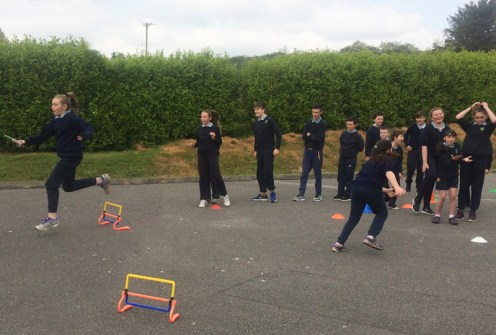 Outdoor activity and fun mixed for and by the pupils of Curranes NS.
