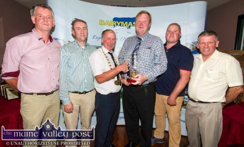 The presentation to the judge at the annual Kerry Friesian Breeders Herds Competition Awards Ceremony at Ó Riada's Bar and Restaurant, Ballymacelligott. From left: John Dillon, chairman KHFBC; Noel Scanlon, Dairymaster; Peter Kennelly, president I.H.F.A. Michael Laffan, judge; Leo O'Connor, treasurer KHFBC and Liam Leen, Dairymaster. ©Photograph: John Reidy