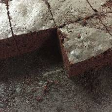 Easy chocolate cake ready to serve