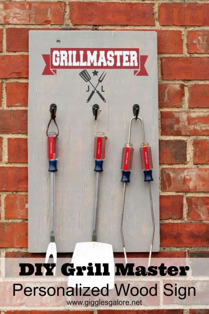 DIY-Grill-Master-Personalized-Wood-Sign_Giggles-Galore