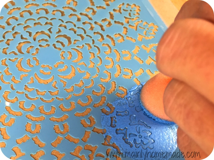 Stamping-Stencil-Homemade-wrapping-paper