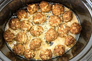 Easy Slow Cooker Homemade Meatballs Recipe