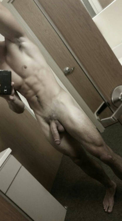 ericdeman-model-charlie-matthews-huge-dick-selfie