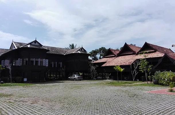 Kampong Losong