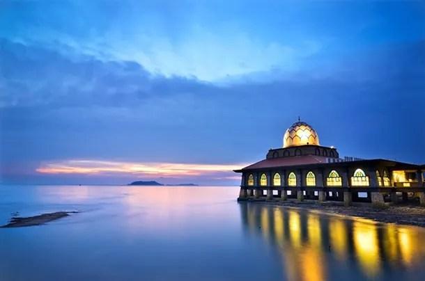 Masjid Terapung Kuala Perlis