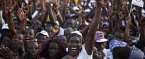 Guiné-Bissau: pés e joelhos no chão