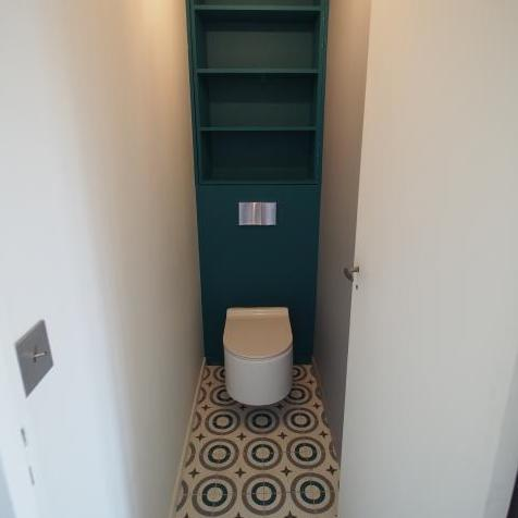 exemples de toilettes en carreaux de ciment