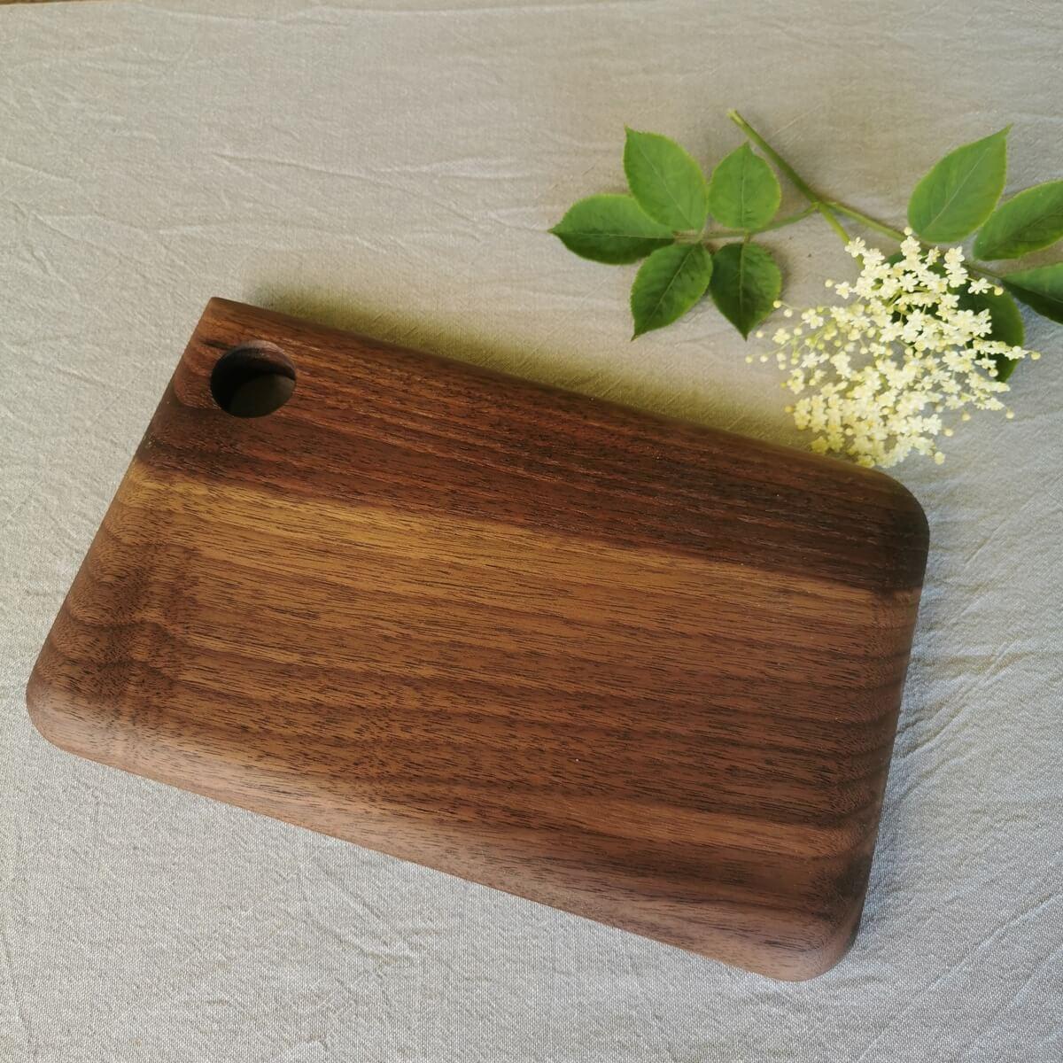 planche a decouper en bois fait main