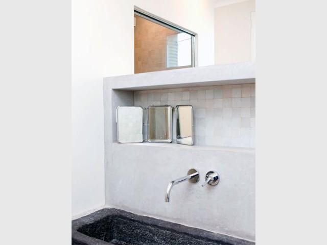 1 Appartement Submerg Par Une Vague De Fluidit Et De Lumire