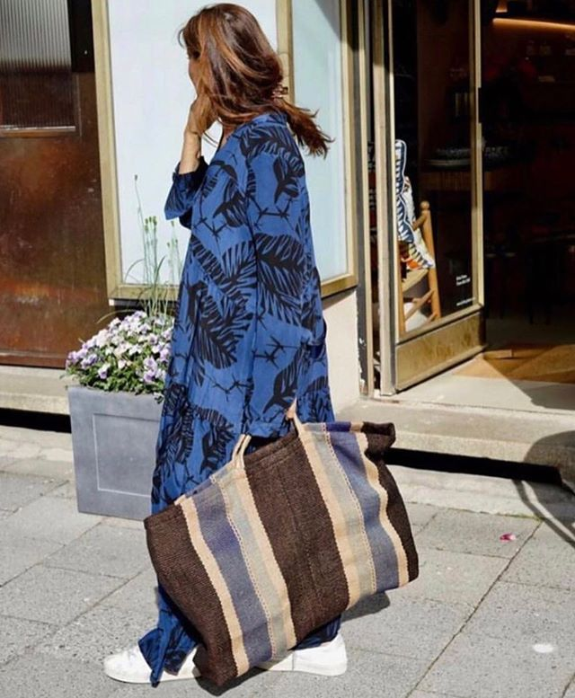 Regram @sissiottostyle - thank you for featuring our new waist loomed extra large jute bag, perfect for summer pursuits