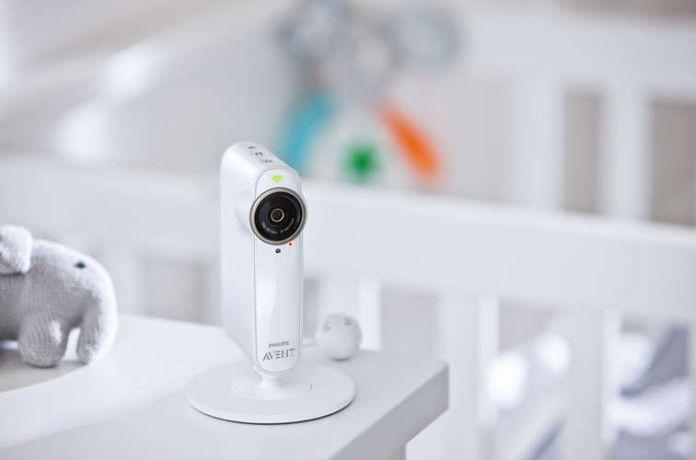 Surveillance de bébé grâce à la caméra de ton Babyphone Philips