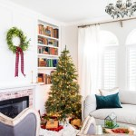 Simple Red And Green Christmas Living Room Maison De Pax