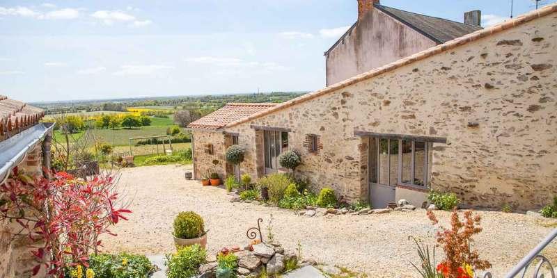 Maison d'hôtes à vendre près du Puy du FOU en Vendée (Les Herbiers)
