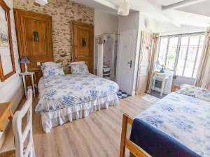 Maison d'hôtes à vendre près du Puy du FOU (chambre 3)