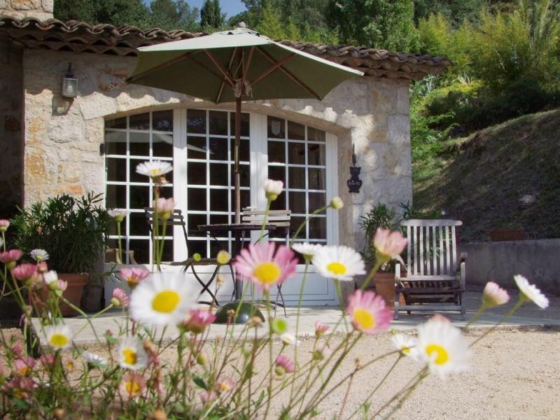 Chambres d'hôtes à vendre Le Tignet en région Provence Alpes Côte d'Azur (extérieur d'une Suite)
