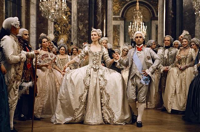 Marie-Antoinette-Sofia-Coppola-2006-Costumi-Milena-Canonero