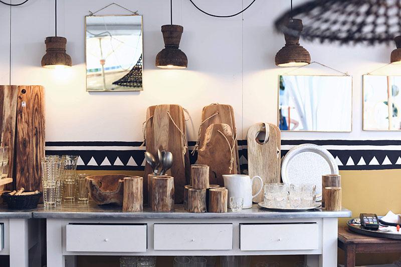 La-Maison-Pernoise-taglieri-in-legno