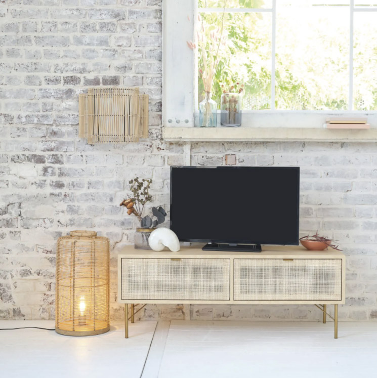 mobile-tv-in-rattan