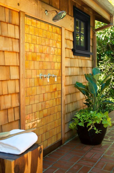 outdoor shower, contemporary, tile back