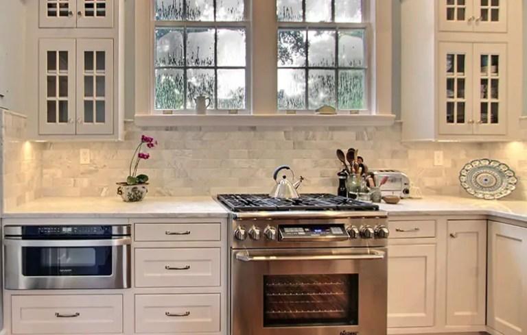 Kitchen Backsplash; Marble tile