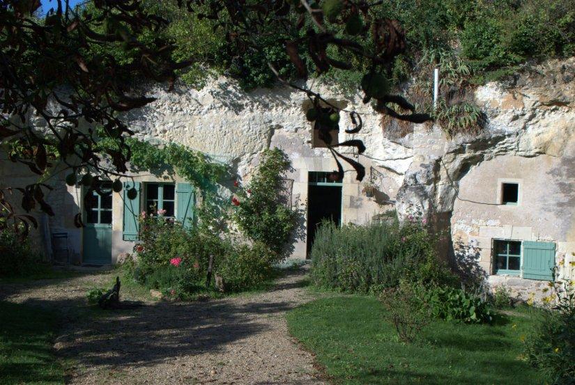 Maison troglodyte. Les Alleuds, Pays de la Loire, France. photo