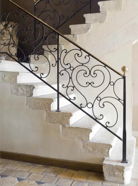 Escaliers en pierre calcaire