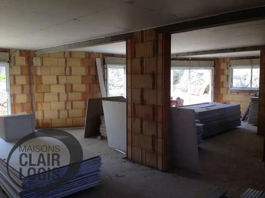 Construction maison ain - installation du plafond
