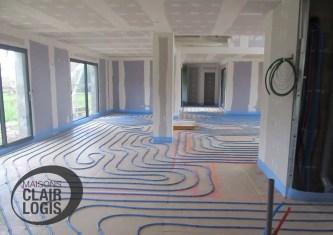 Installation du plancher chauffant de la maison neuve