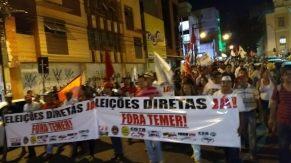 Protesto seguiu até o Ponto de Cem Reis (foto: Albemar Santos)
