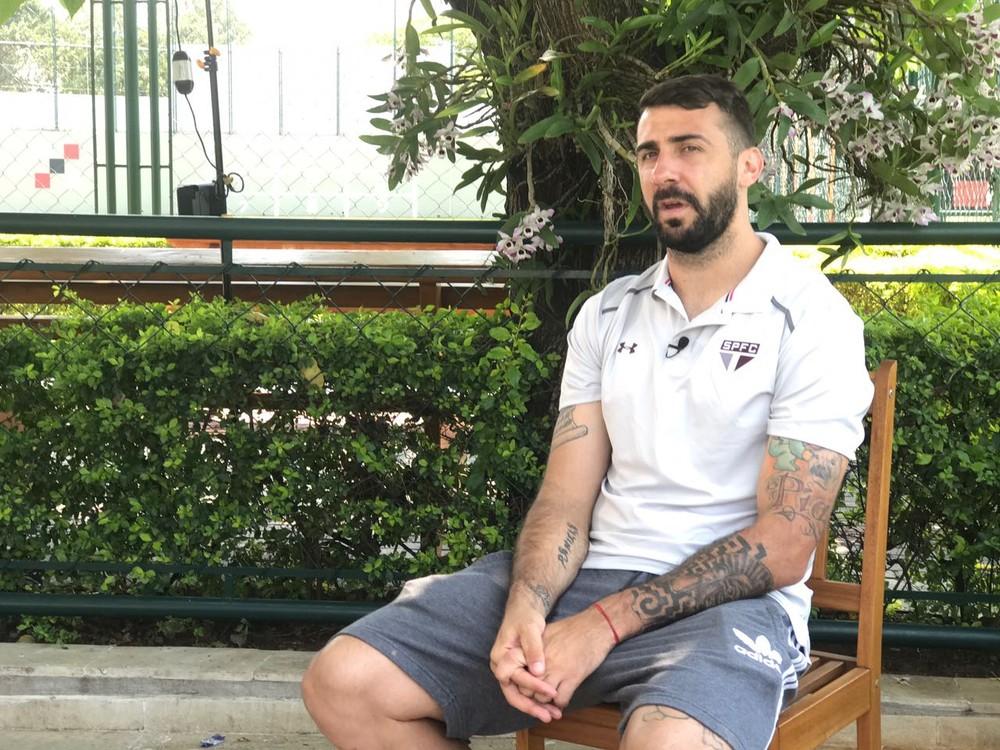 Presidente do São Paulo descarta negociar Pratto com Cruzeiro
