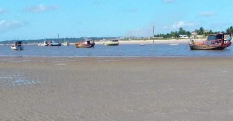 Manhã na Praia de Acaú, no município de Pitimbu, Litoral Sul