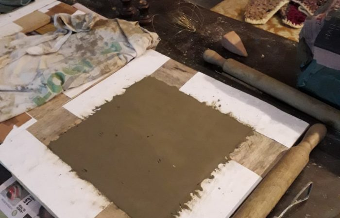 preparazione mattonelle argilla