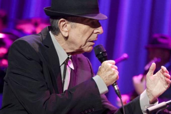 "Coral de 1.500 cantores homenageia Leonard Cohen com ""Hallelujah"""