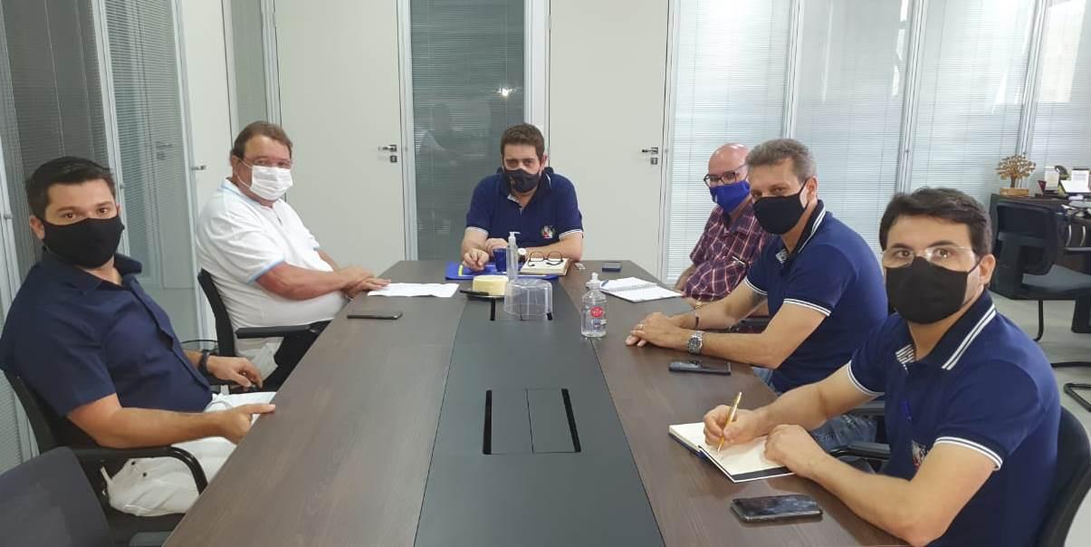 Deputado Celinho discute municipalização da educação básica em Fabriciano