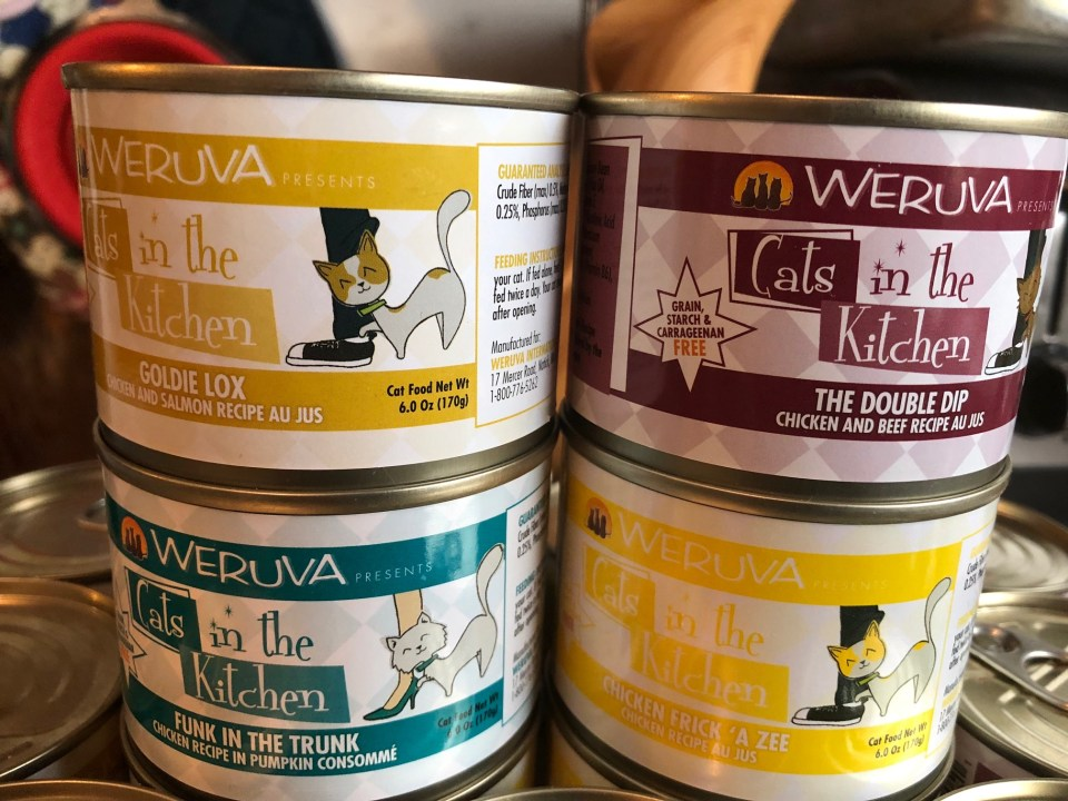 Weruva Cats in the Kitchen Goldie Lox and the 3 Fares #ChewyInfluencer