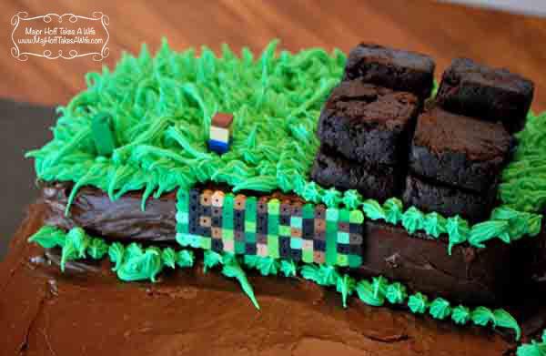 Easy DIY Minecraft Cake